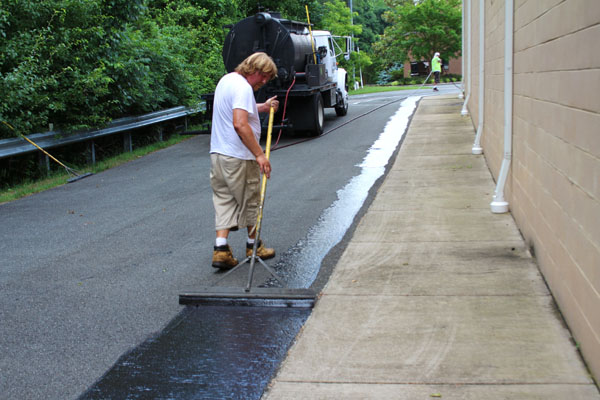 Jericho Asphalt Sealing - The best solution in Richmond to repair and maintain your businesses commercial parking lots.